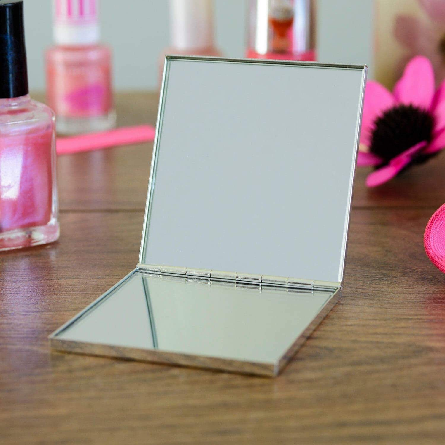 Personalised Mother Of The Groom Square Compact Mirror - www.pukkagifts.uk