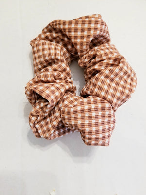 gingham scrunchie, southern belle hair accessories, scrunchie, checkered print scrunchie, gingham print fashion, best scrunchies