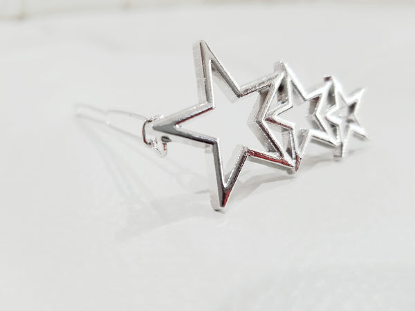 silver stars, silver star pin, silver hair pins, silver star hair clip, three star hair pin, three big star hair clip, star hair accessory, star hair pin, star hair barrette, star hair jewelry, hair accessories, affordable hair pins. three stars barrette, silver tone stars, silver plated stars. silver hair clips