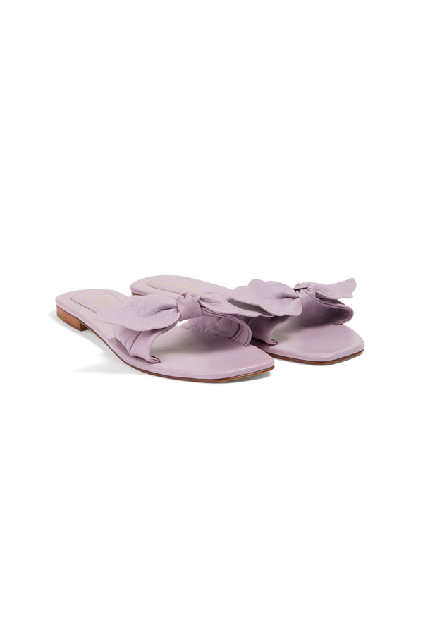 A Piedi Scalloped Bow Slide Lilac