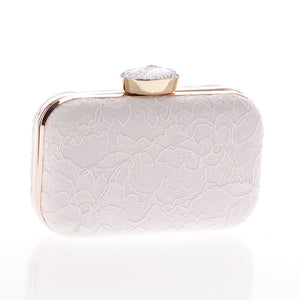 Beautiful Lace Design Clutch | http://chicboutique.com.au