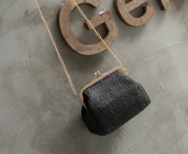 Beautiful Shoulder Clutch With Chain | http://chicboutique.com.au