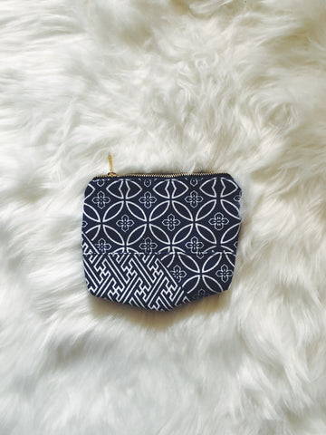 Porcelain Print Blue Canvas Pouch