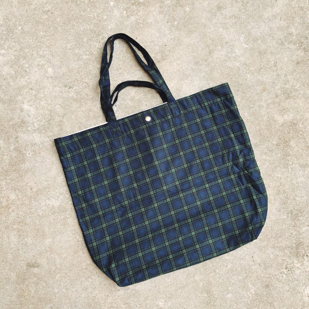 XLarge Tote - Gentlemen Checks