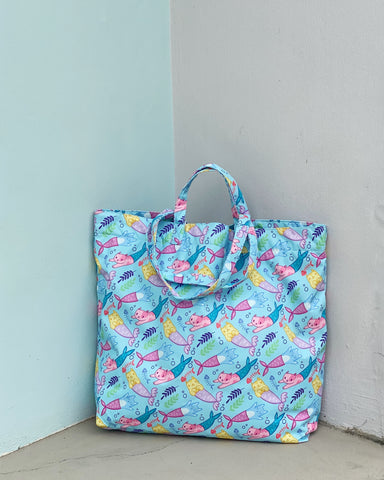 XL Tote (Water Repellent)