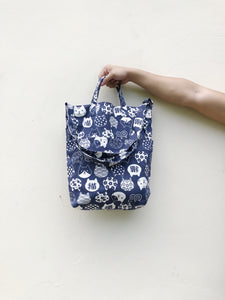 2 Way Tote - Fortune blue cat