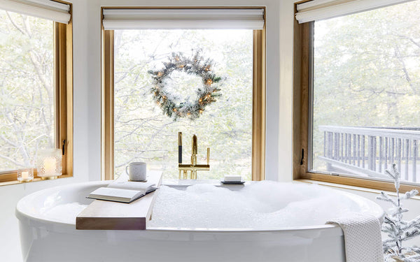 5 Ways to Make Your Bathroom More Festive for the Holidays