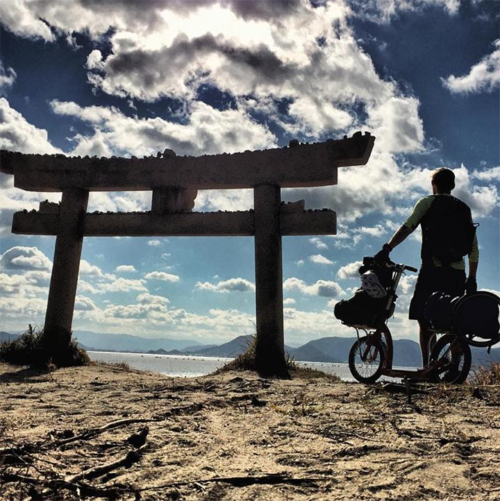 1000 miles solo scooter trip through Japan, dave cornthwaite, adult scooter with big wheels