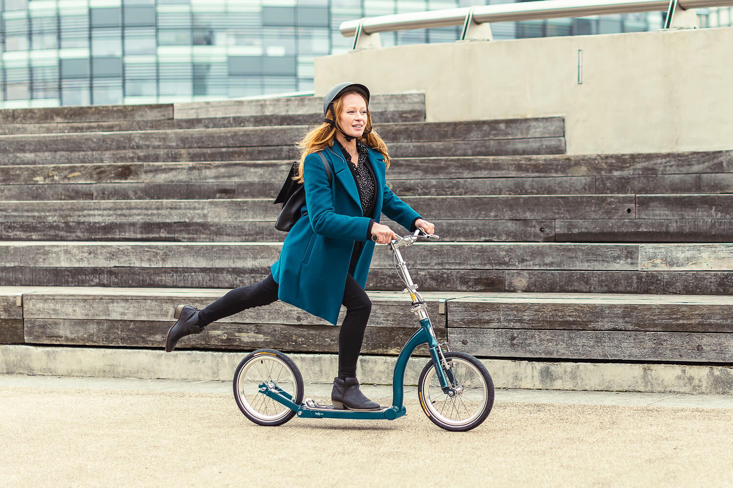 adult commuter scooter, scooter with big wheels, commuting transport