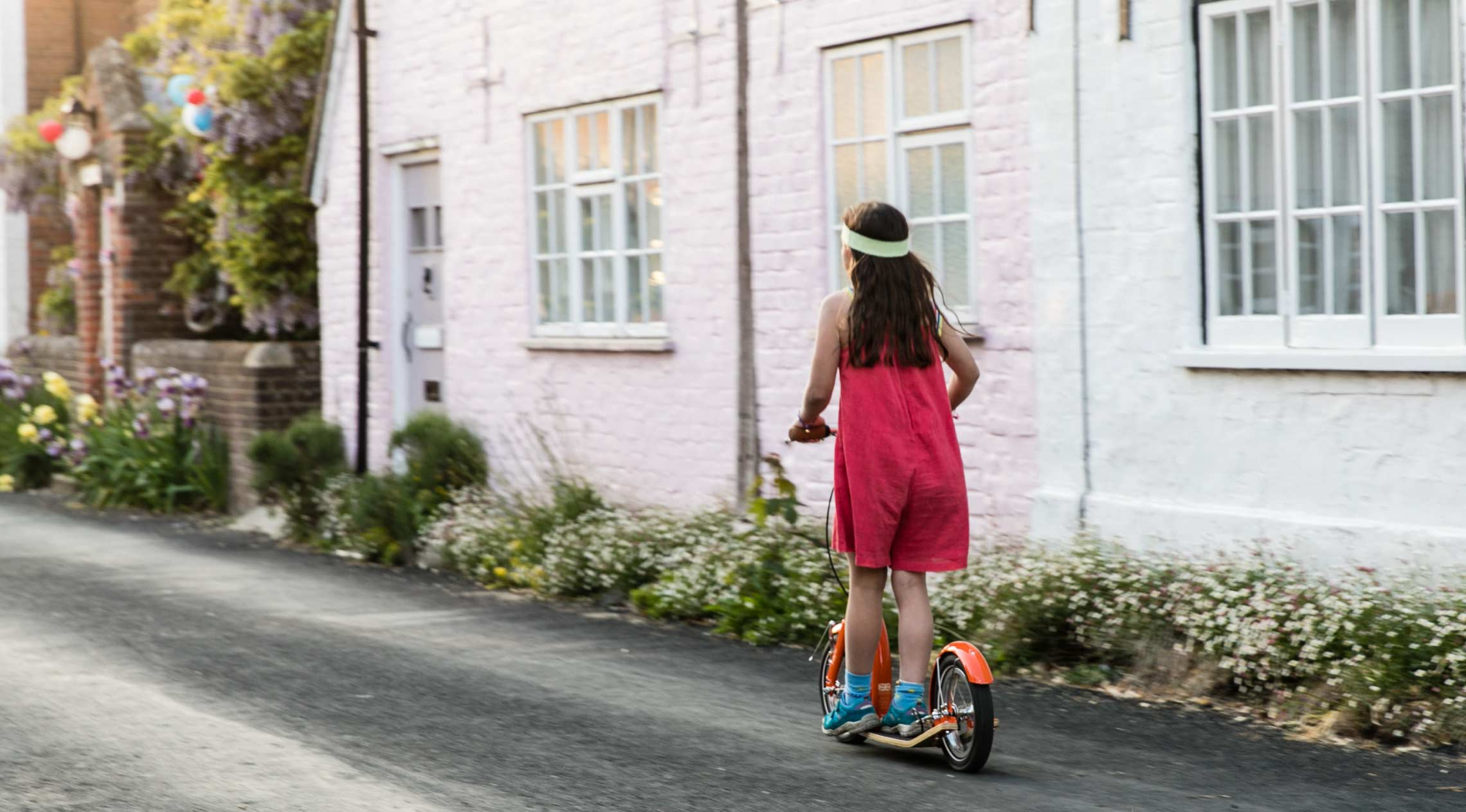 Best Kids Scooter - Swifty IXI | junior kick-scooter for 7, 8, 9, 10, 11, 12 year olds