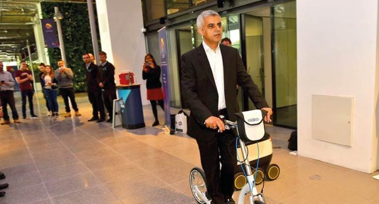 adult kick scooter for commuting, beat the tube strike, e-scooter, electric scooter