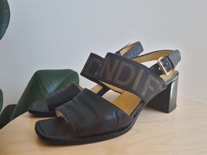FENDI SANDALS:[Past out]:[vintage clothes]