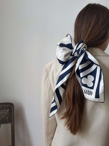 BALMAIN SCARF:[Past out]:[vintage clothes]