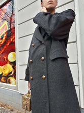 BURBERRY WOOL COAT | M/L:[Past out]:[vintage clothes]