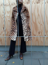 70s Tiger Fur Coat | Big Collar | Leopard | M:[Past out]:[vintage clothes]