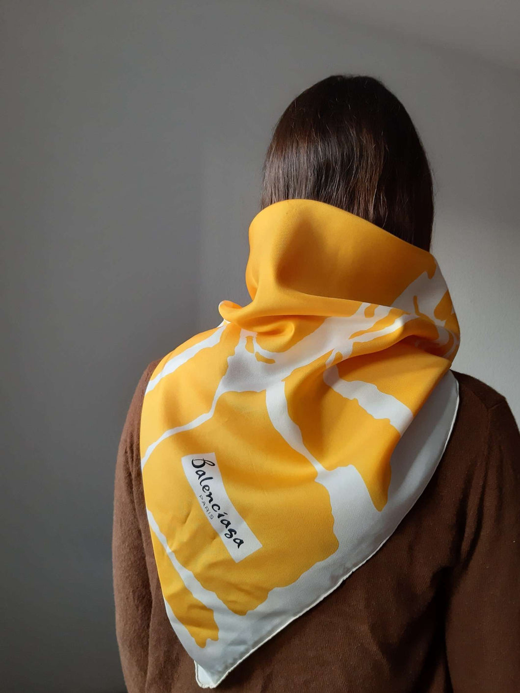 BALENCIAGA Scarf:[Past out]:[vintage clothes]