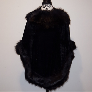 VELVET WITH FAUX FUR PONCHO