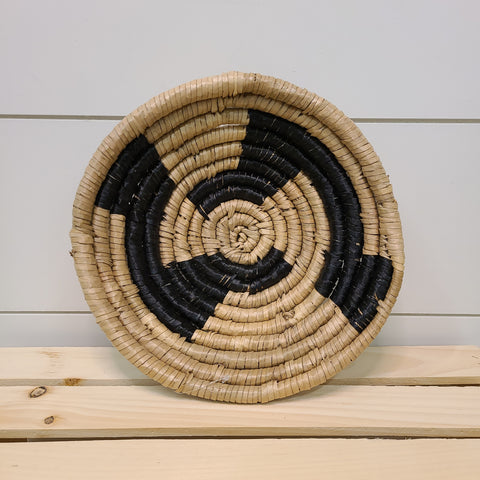 Natural & Black Seagrass & Palmleaf Art