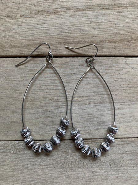 Earrings (wh)