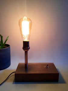 Koppa lamp - Walnut lamp with toggle switch
