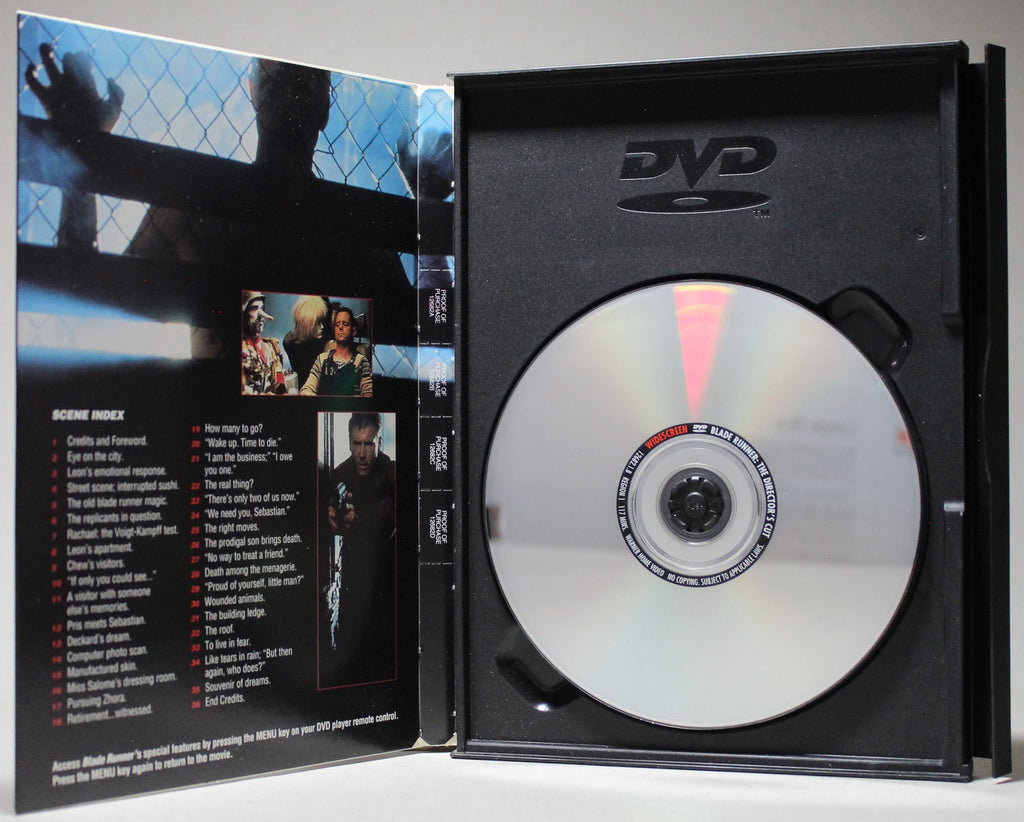 BLADE RUNNER: THE DIRECTOR'S CUT - Snap Case DVD: Warner Home Video, 1999