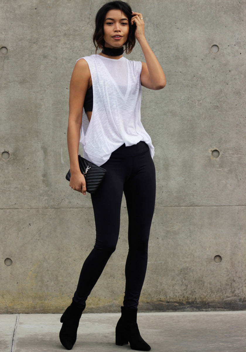 Hustle for that Muscle Tee - Concrete Runway