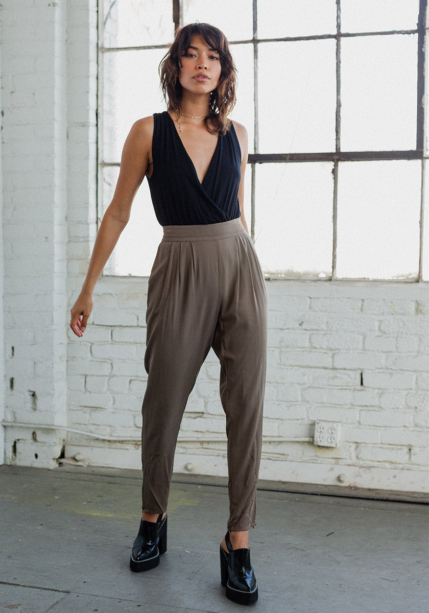 Pleated Loden Pants - Concrete Runway