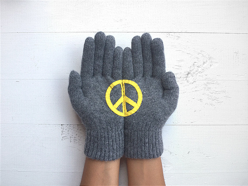 Gloves Set / Set Of 3 / Peace, Love, Luck