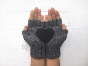 Heart Gloves / Gray / Black
