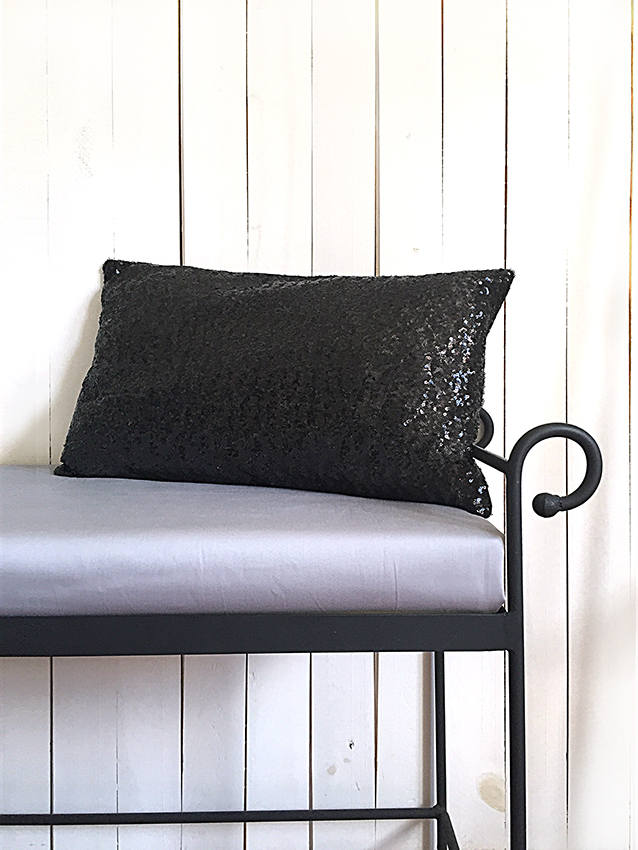 Pillow Cover / Black Sequin