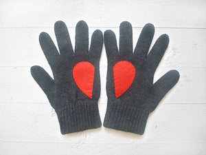 Heart Gloves / Dark Gray / Red
