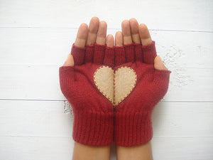 Heart Gloves / Deep Red / Beige