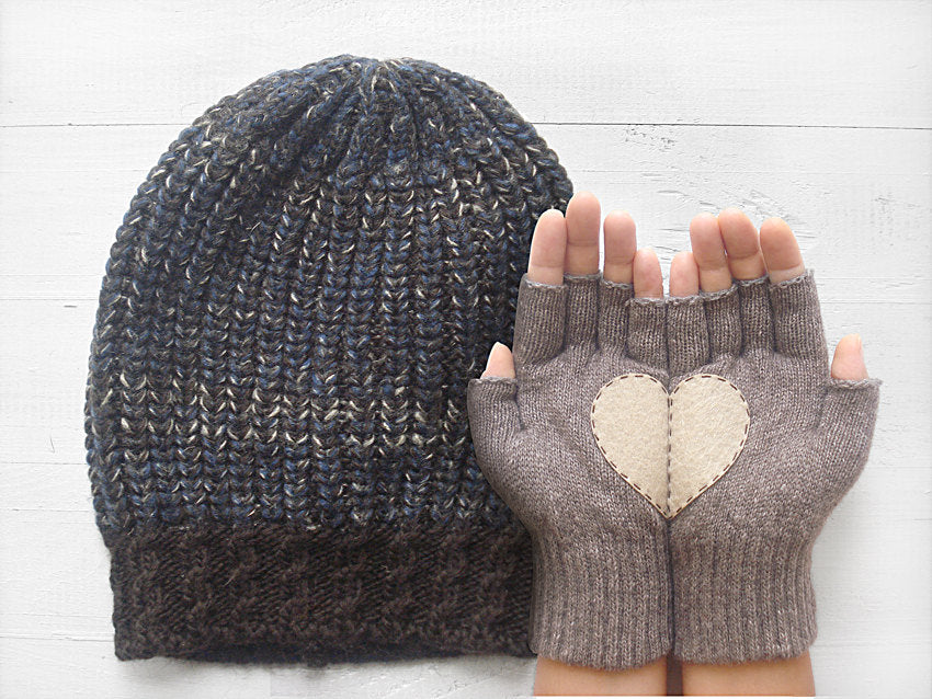 Beanie & Heart Gloves / Heather Brown