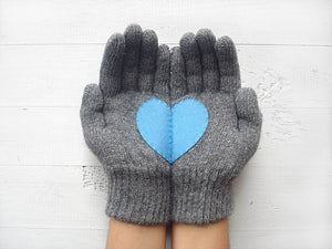 Beanie & Heart Gloves / Gray