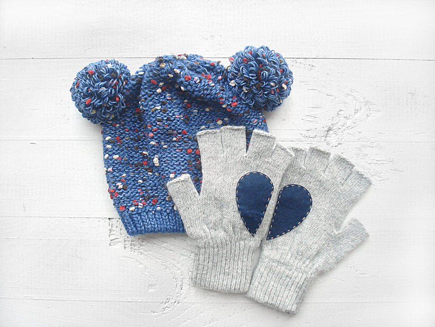 Pom Pom Beanie & Heart Gloves / Blue
