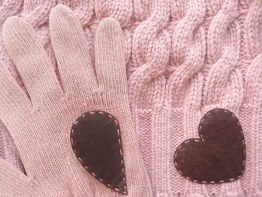 Beanie & Heart Gloves / Pink