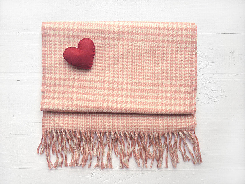 Cotton Scarf / Heart Brooch