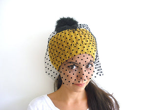 Pom Pom Beanie / Veiled / Yellow