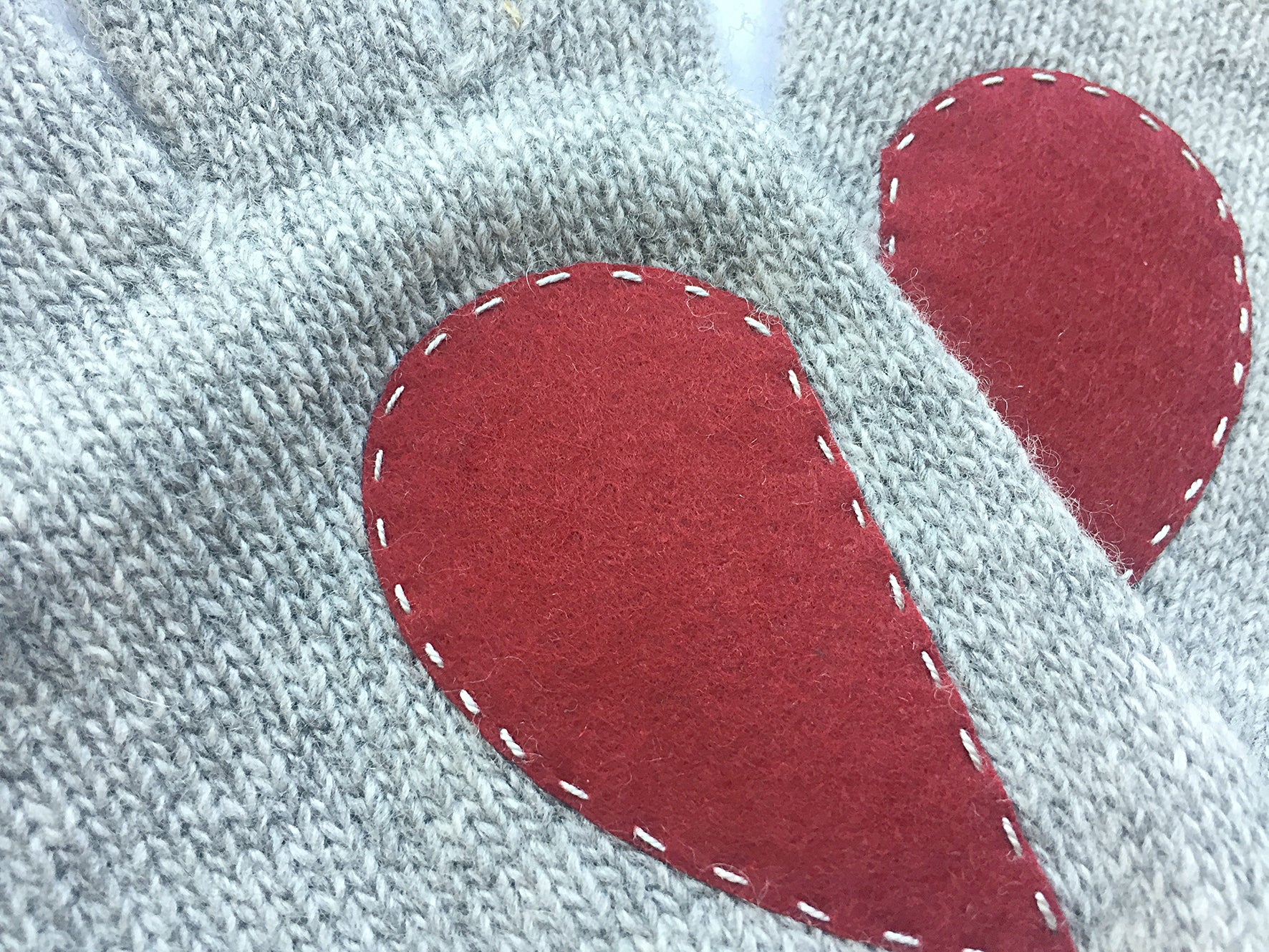 Heart Gloves / Gray
