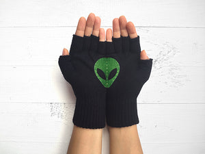 alien lover, fingerless black gloves