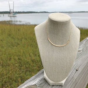 class-sea curve necklace