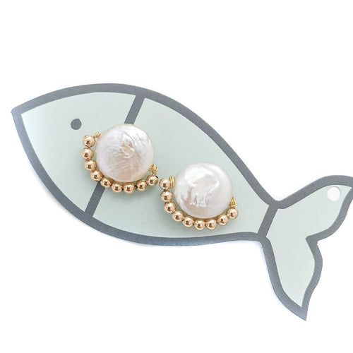 dixie studs {gold metal beads}