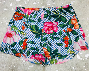 """Vaca Time"" Floral Shorts"