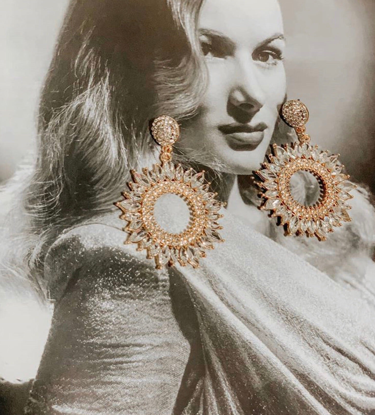 """BECKY"" Glam Earrings"