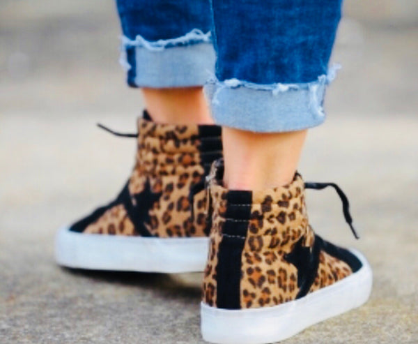 """Leopard Vibe""Sneakers with zipper on the side"