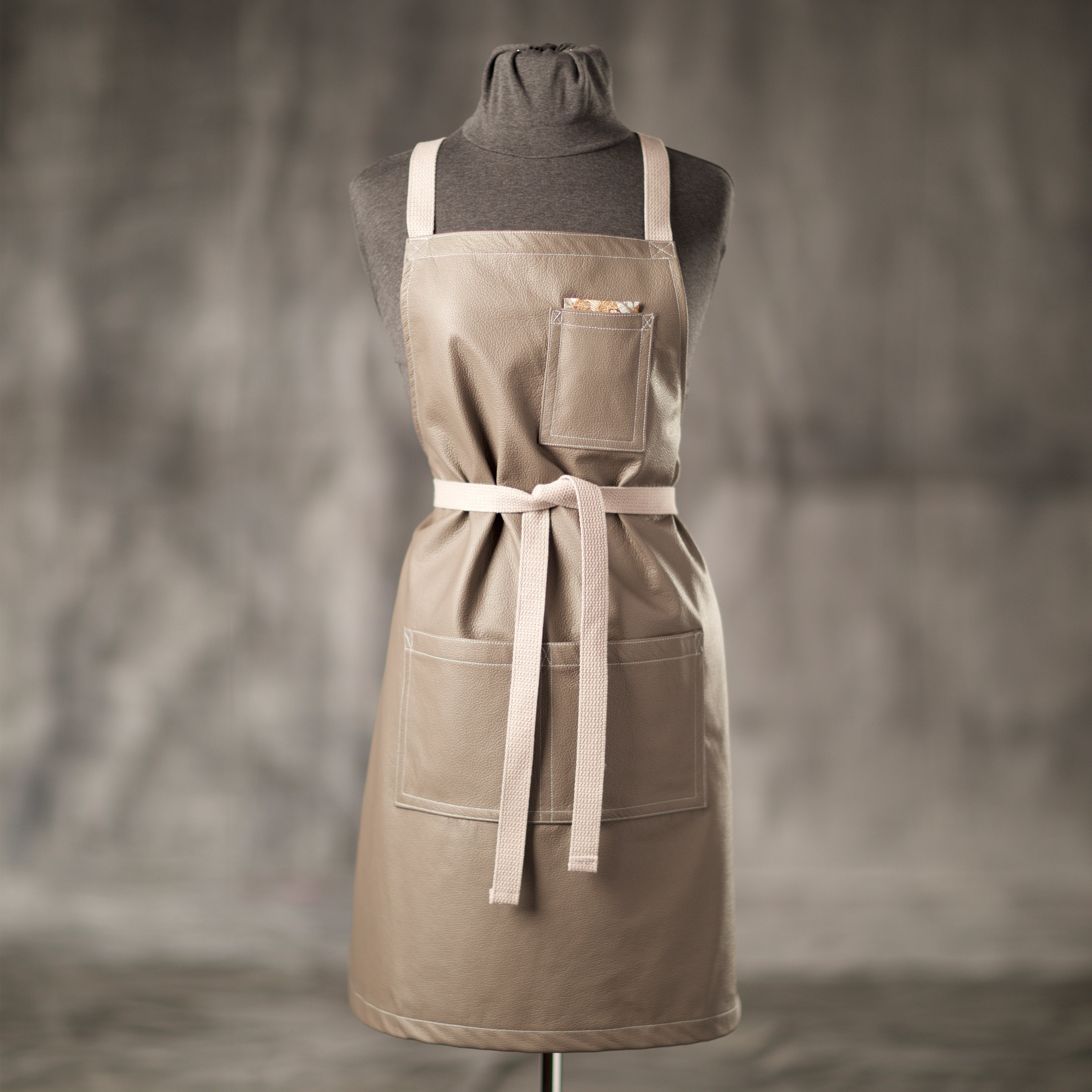 Macau Leather Apron Women's Front