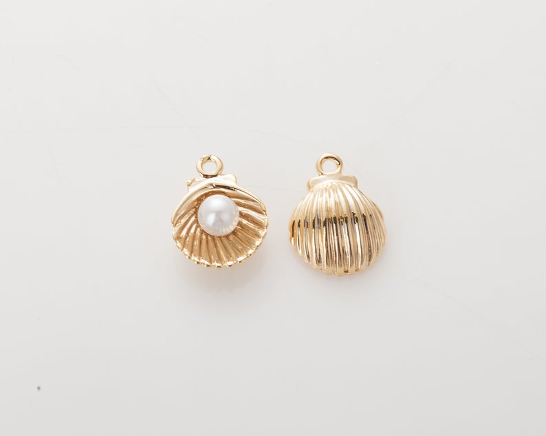 Shell with Pearl Charm - Rania Dabagh Jewelry