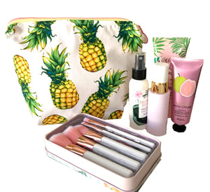 """Perky Pineapple"" Toiletry Bag - Large Makeup bag - Pineapples"