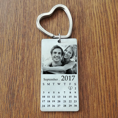 anniversary gift, couples gift, key chain with photo and calendar - winfinity brands