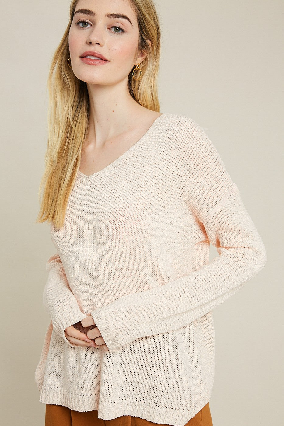 Wishlist V neck knit pullover sweater in frosted rose